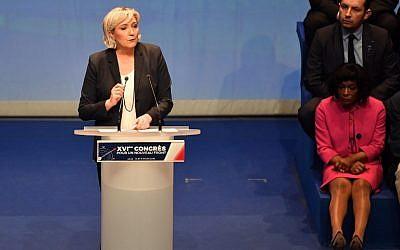 La présidente du parti d'extrême-droite français  Marine Le Pen lors du congrès de son parti à Lille, dans le nord de la France, après sa réélection à la tête du parti pour la troisième fois, le 11 mars 2018 (Crédit :  AFP PHOTO / PHILIPPE HUGUEN)