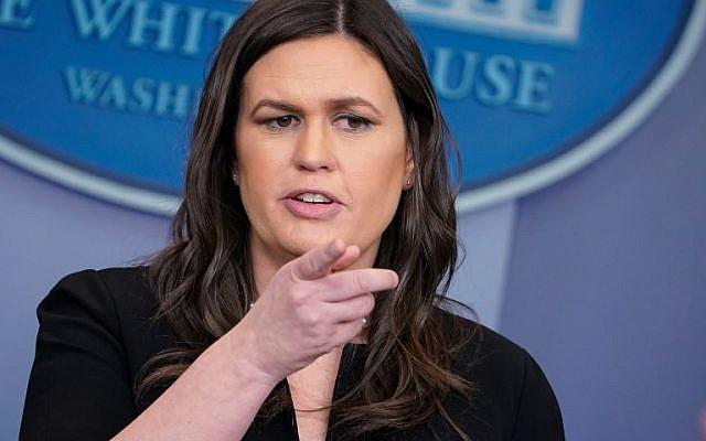 Sarah Sanders, porte-parole de la Maison Blanche s'exprime durant le point-presse quotidien à la Maison Blanche, le 12 mars 2018 à Washington (Crédit : / AFP PHOTO)