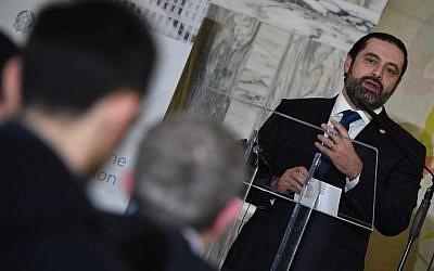 Le Premier ministre libanais Saad Hariri s'exprime lors d'une conférence de presse lors d'une réunion de collecte de fonds à Rome le 15 mars 2018 (Crédit : Andreas Solaro / AFP)