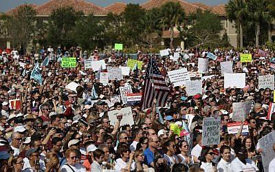 Grande marche contre les ventes d'armes et pour la sécurité à l'école, le 24 mars 2018 (Crédit : Joe Raedle/Getty Images/AFP)