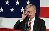 John Bolton s'exprime au sommet des responsables républicains 'First in the nation' à Nashua, dans le New Hampshire, le 17 avril 2015 (Crédit : Darren McCollester/Getty Images via JTA)