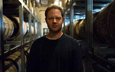 Eitan Atir, directeur-général de Milk & Honey. Le 20 février 2018 (Crédit : Luke Tress/Times of Israel)