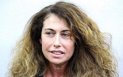 La PDG de Bezeq, Stella Handler, lors d'une audience devant le tribunal de première instance de Tel-Aviv le 18 février 2018. (Flash90)