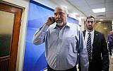 Le ministre de la Défense Avigdor Liberman arrive à la conférence gouvernementale hebdomadaire au bureau du Premier ministre de Jérusalem, le 11 mars 2018 (Crédit : Marc Israel Sellem/Pool)