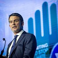 L'ancien Premier ministre français Manuel Valls au cours du sixième forum global de lutte contre l'antisémitisme au centre de convention de Jérusalem, le 22 mars 2018. (Crédit : Miriam Alster/Flash90)