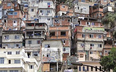 Une favela à Rio de Janeiro, au Brésil (Wikipedia / Leon Petrosyan / CC BY-SA)