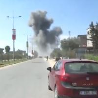 La fumée vue suite à une explosion qui s'est produite près du convoi du Premier ministre palestinien Rami Hamdallah dans la bande de Gaza le 13 mars 2018. (Capture d'écran: Ynet)