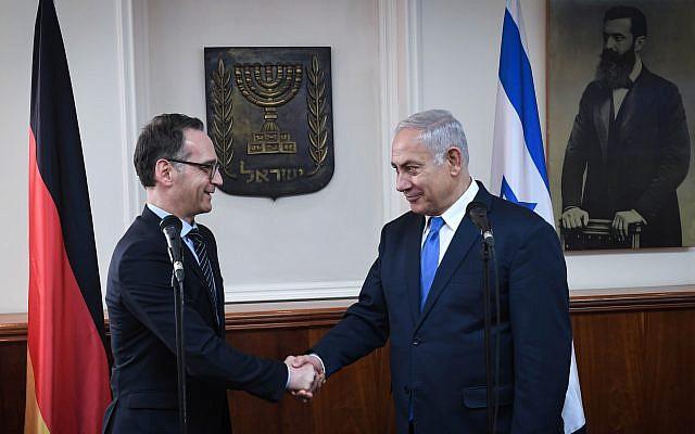 Le Premier ministre Benjamin Netanyahu et le ministre allemand des Affaires étrangères Heiko Maas lors de leur rencontre à Jérusalem, le 26 mars 2018 (Crédit : Kobi Gideon / GPO)