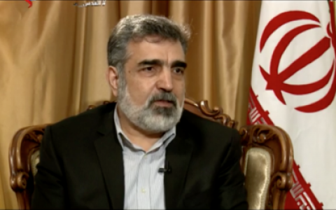 Behrouz Kamalvandi, porte-parole de l'Organisation iranienne de l'énergie atomique, dans une interview avec la chaîne de télévision iranienne de langue arabe al-Alam, le 5 mars 2018. (Capture d'écran)