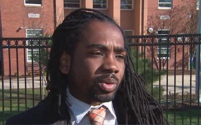 Trayon White, membre du Conseil de Washington (D-Ward 8), s'excuse pour la vidéo dans laquelle il fait allusion à la théorie du complot antisémite. (Capture d'écran FOX5)