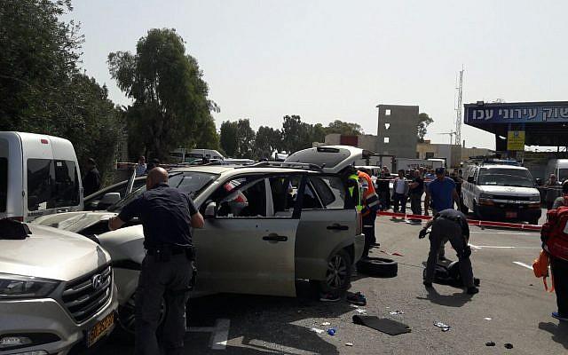 Scène d'un attentat à la voiture-bélier présumé à Akko, le 4 mars 2018 (Crédit : United Hatzalah)