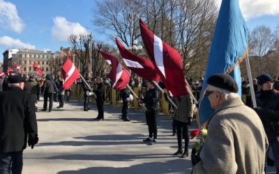 Aperçu de la marche annuelle du jour du Souvenir des légionnaires lettons à Riga, Lettonie, le 16 mars 2018. (LTA Zinu dienests/Twitter via JTA)