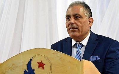 Simon Slama, candidat juif sur une liste islamiste Ennahda  aux élections municipales de Monastir, en Tunisie, le 14 avril 2018. (Crédit :AFP Photo/Bechir Taieb)