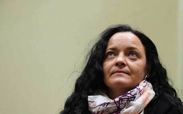 Beate Zschäpe, 41 ans, accusée d'avoir participé à neuf meurtres à caractère xénophobe et à celui d'une policière entre 2000 et 2007 alors qu'elle appartenait à un groupuscule néo-nazi, durant son procès à Munich. le 28 novembre 2017. (Crédit : AFP / CHRISTOF STACHE)
