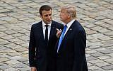 Le président français Emmanuel Macron son homologue américain Donald Trump aux Invalides à Paris,  le 13 juiillet 2017. (Crédit : AFP/Bertrand Guay)
