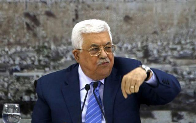 Mahmoud Abbas, président de l'Autorité palestinienne, lors d'une réunion des dirigeants palestiniens dans la ville de Ramallah, en Cisjordanie, le 18 décembre 2017. (AFP Photo/Abbas Momani)