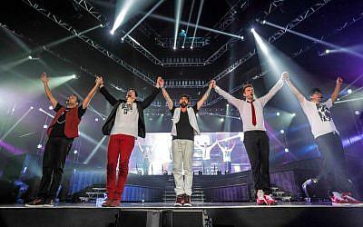 Les Backstreet Boys lors de l'une de leurs premières représentations en Israël, en 2015 (avec l'autorisation des Backstreet Boys)