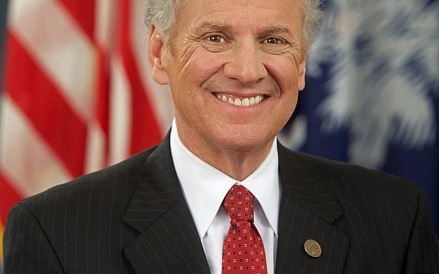 Henry Dargan McMaster,  gouverneur de l'État de Caroline du Sud, membre du Parti républicain. (Domaine public)