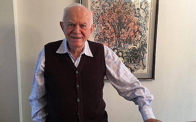 Mordechai Schachter chez lui à Teaneck, dans le New Jersey (Josefin Dolsten / JTA)