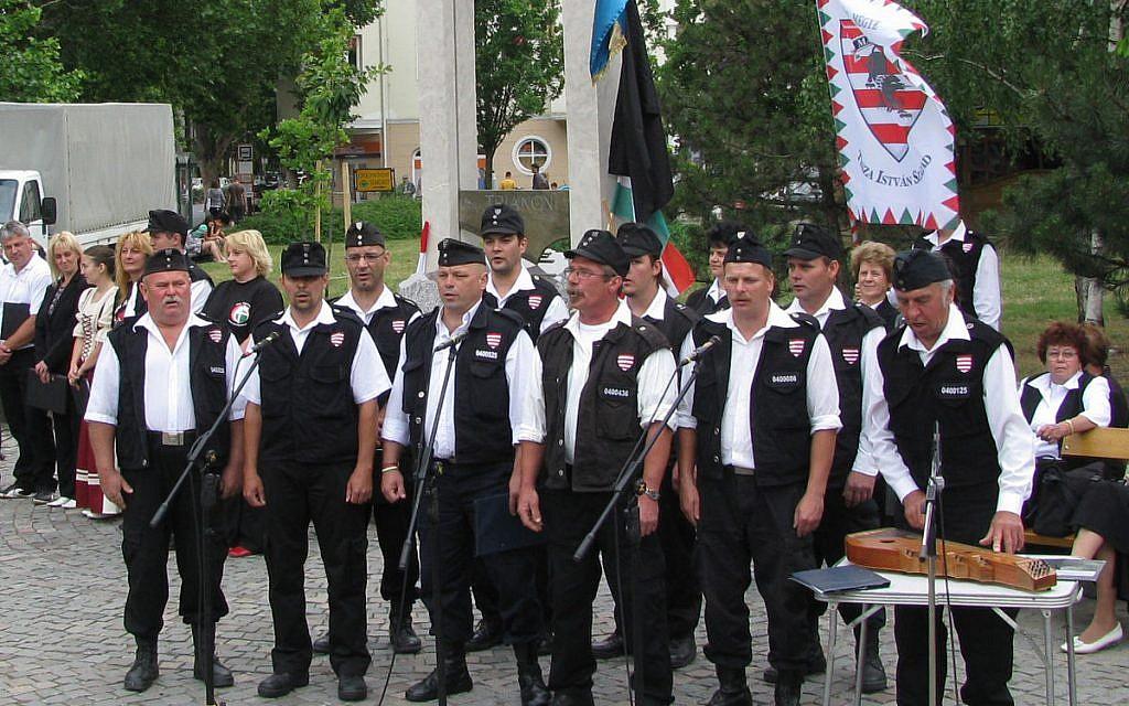 La chorale de la Garde nationale hongroise en 2009. (Domaine public)