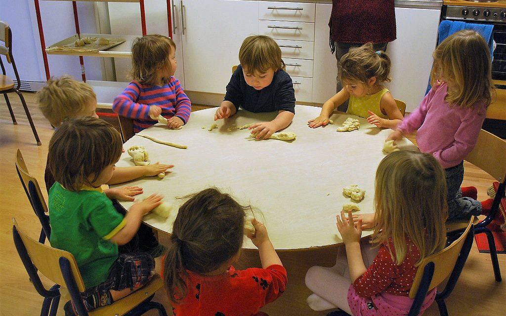 Des enfants au Chinuch, l'école maternelle juive de Malmo (Autorisation : Informationscentret JUDISKA FÖRSAMLINGEN MALMÖ)