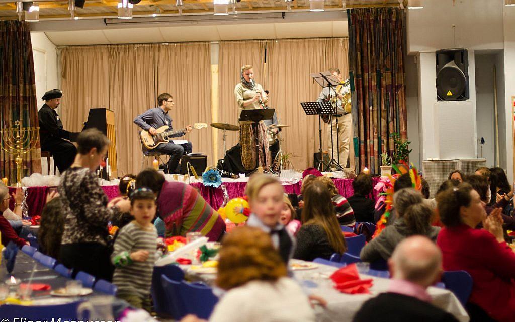 La fête de Pourim à Malmo en 2015. (Crédit: Elinor Magnusson. Autorisation : Informationscentret JUDISKA FÖRSAMLINGEN MALMÖ)