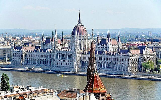 Le Parlement hongrois à Budapest. (Flickr/Dennis Jarvis)