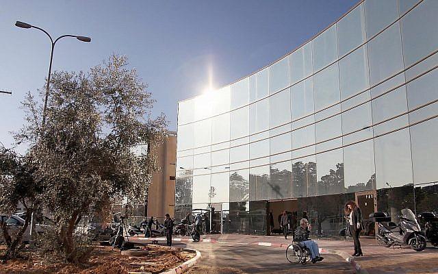 Le centre médical Sheba de Tel Hashomer, le 2 janvier 2014 (Crédit : Gideon Markowicz/FLASH90)
