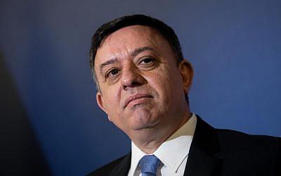 Le chef de l'Union sioniste Avi Gabbay à Jérusalem, le 19 février 2018 (Yonatan Sindel/Flash90).