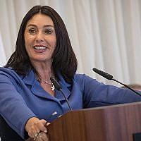 La ministre de la Culture Miri Regev s'exprime lors d'une cérémonie à la Knesset en l'honneur des allumeurs de flambeaux de la cérémonie du 70e Jour de l'Indépendance au Mont Herzl, qui aura lieu cette semaine. 15 avril 2018. (Yonatan Sindel/Flash90)