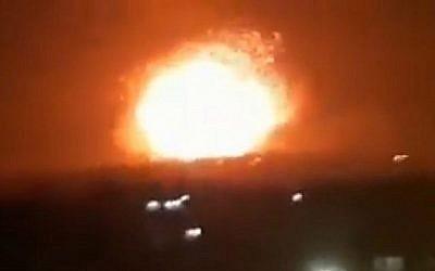Capture d'écran d'une vidéo censée montrer une attaque de missile en Syrie, le 29 avril 2018. (Twitter)