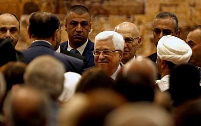 Le président de l'Autorité palestinienne Mahmud Abbas durant une rencontre du Conseil national palestinien de Ramallah le 30 avril 2018 (Crédit :  AFP PHOTO / ABBAS MOMANI)