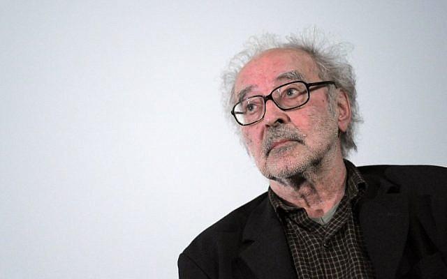 Le réalisateur Jean-Luc Godard assiste à un débat au cinéma des Cinéastes à Paris, le 19 juin 2010 (PHOTO AFP / Miguel MEDINA)
