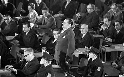 Le 20 décembre 1963, se tenait le premier procès d'Auschwitz à Francfort. (Crédit : AFP PHOTO / dpa / Roland WITSCHEL)