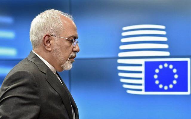 Le ministère des Affaires étrangères Mohammad Javad Zarif aux quartiers généraux de l'UE à Bruxelles, le 15 mai 2018. (Crédit : AFP / JOHN THYS)