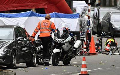 Les forces de police sur les lieux d'une fusillade à Liège, le 29 mai 2018. (Crédit : AFP PHOTO / BELGA / ERIC LALMAND)