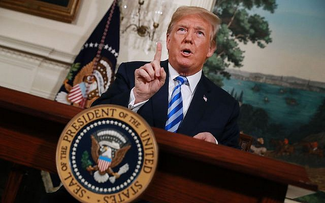 Le président Donald Trump annonçant sa décision de quitter l'accord nucléaire iranien dans la salle d'accueil diplomatique de la Maison Blanche, le 8 mai 2018 (Chip Somodevilla / Getty Images)