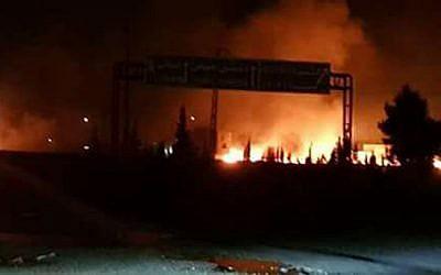 Explosions en Syrie dans la région el-Kisweh, au sud de Damas, le 8 mai 2018. (Crédit : Twitter)