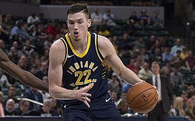 Joueur de Indiana Pacers T.J. Le père de Leaf a également joué pour les Pacers avant de déménager en Israël, où T.J. est né. (Courtoisie)