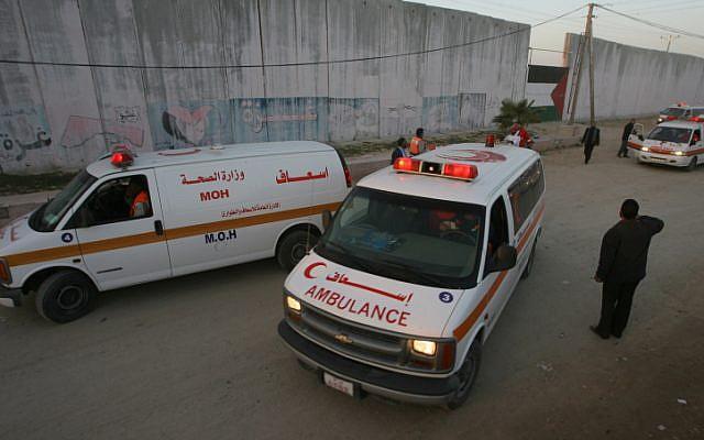 Photo illustrative d'ambulances palestiniennes (Abed Rahim Khatib/ FLASH90)