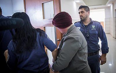 Une femme australienne recherchée dans son pays d'origine pour des crimes d'abus sexuel d'enfant au tribunal de Jérusalem le 14 février 2018. (Yonatan Sindel / Flash90)