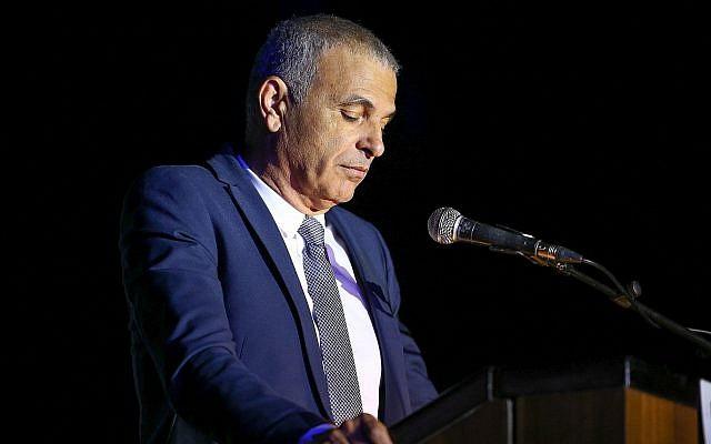 Le ministre des Finances Moshe Kahlon prend la parole lors d'une cérémonie dans le sud d'Israël, le 12 avril 2018 (Flash90)