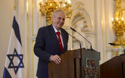 Le président tchèque Milos Zeman lors d'une réception en l'honneur du 70ème anniversaire d'Israël à Prague, le 25 avril 2018 (Crédit :  Facebook)