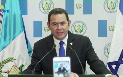 Le président guatémaltèque Jimmy Morales lors de l'inauguration de l'ambassade du Guatemala à Jérusalem, le 16 mai 2018. (Crédit : capture d'écran GPO)