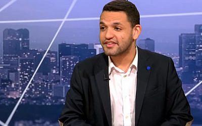 Daniel Auguste, ex-président des étudiants du FN dit s'être fait harcelé pendant un an par Davy Rodriguez, n°2 du FNJ (Crédit: capture d'écran TVLibertés/Youtube)