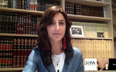 La première femme rabbin orthodoxe Dina Brawer (Capture d'écran :: YouTube)