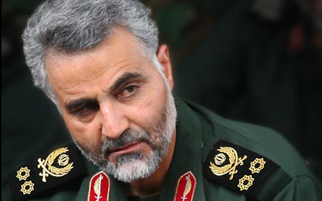 Le commandant des forces Al-Qods des Gardiens de la Révolution islamique, Qassem Soleimani. (Crédit : Wikipedia / CC BY 4.0)