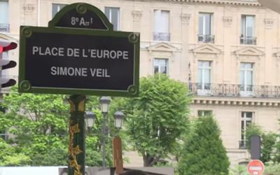 La place de l'Europe, à Paris, rebaptisée en hommage à Simone Veil, le 29 mai 2018. (Crédit : capture d'écran Youtube)