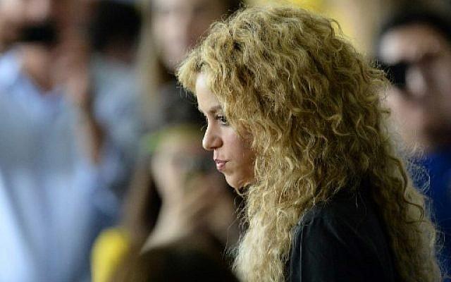 La chanteuse colombienne Shakira, le 30 juin 2013. (Crédit : AFP / Nelson ALMEIDA)