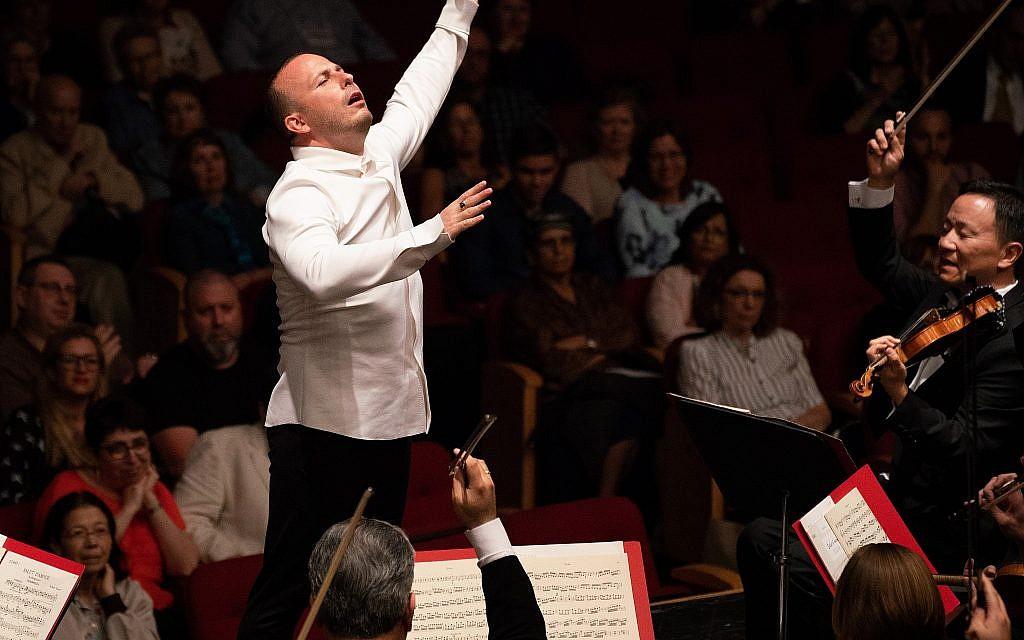 Yannick Nézet-Séguin, directeur musical de l'Orchestre de Philadelphie, a dirigé le concert final de la tournée en Israël avec corps et âme (Avec l'aimable autorisation de Jan Regan).